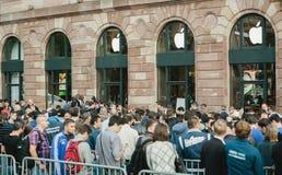 IPhone ενάρξεων της Apple 6 πωλήσεις Στοκ Φωτογραφία