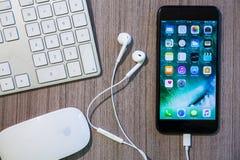 Iphone 7 συν το χώρο εργασίας Στοκ Εικόνα