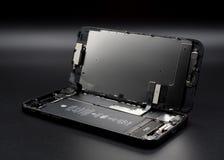 IPhone Яблока 7 демонтированных показывая компонентов внутрь стоковые изображения
