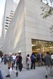 Iphone 6在苹果商店,街市芝加哥 图库摄影