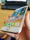 IPhone 7正赛跑IOS 11 免版税库存图片