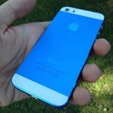 Iphone blanco azul Fotos de archivo libres de regalías