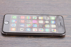 Iphone 6 con la caja Foto de archivo libre de regalías