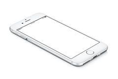 IPhone de plata de Apple 7 mentiras de la maqueta en la superficie con la pantalla en blanco blanca Imagen de archivo