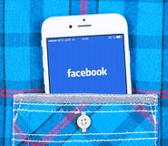 IPhone 6 displaying Facebook application Stock Photos