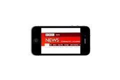 iPhone e NOTIZIE di BBC fotografia stock
