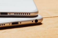 IPhone 6 e 7 positivos, jaque do áudio dos desaparecidos Imagem de Stock Royalty Free