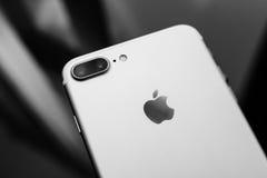 IPhone 7 noirs et blancs plus Photo libre de droits
