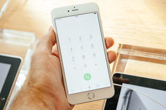 IPhone novo 6 de Apple e iPhone 6 positivo Fotografia de Stock