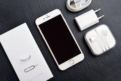 IPhone novo desembalado 6S de Apple Rose Gold Imagem de Stock Royalty Free