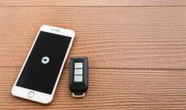 Iphone pokazuje UBER zastosowanie Obrazy Royalty Free
