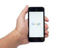 IPhone 5s和谷歌app 库存图片