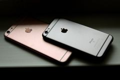 Iphone 6s immagini stock