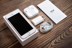 IPhone 6S di Apple Rose Gold Fotografie Stock Libere da Diritti