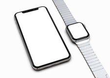 IPhone XS y Apple miran la plata con la pantalla blanca para las maquetas stock de ilustración