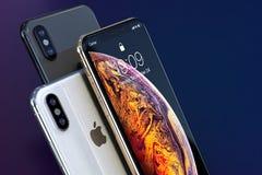 IPhone Xs złota, srebra i przestrzeni składu Popielaty zakończenie, zdjęcia stock