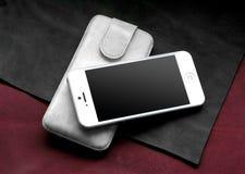 IPhone5 met geval Stock Afbeelding