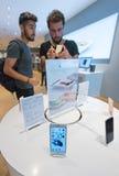 Iphones 6s και 6s συν για την πώληση Στοκ εικόνες με δικαίωμα ελεύθερης χρήσης