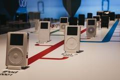 iPod的范围在苹果计算机博物馆里面的在布拉格,捷克 免版税库存照片