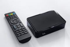 Iptvdoos en ver controlemechanisme Modern apparaat van verschillende media om televisie via Internet, de speler van verschillende royalty-vrije stock foto