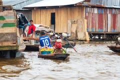 Iquitos, Peru Floating Market imagem de stock