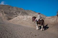 Ir acima à montanha de Bromo fotografia de stock