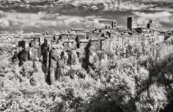 Ir-Bild des kleinen Dorfs von Vitorchiano stockbild