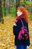 Ir de excursión a la muchacha Imagen de archivo libre de regalías