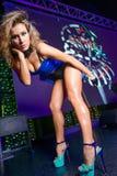 Ir-va el bailarín en club de noche Foto de archivo