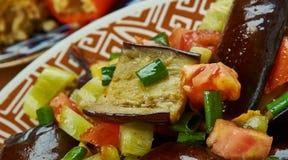 Iraaks Fried Aubergine Molasses Salad royalty-vrije stock afbeeldingen