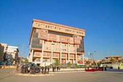 Irakische Polizisten, die im Stadtzentrum von Sulaimania patrouillieren Lizenzfreies Stockfoto