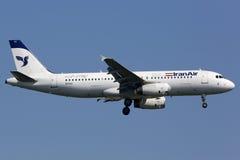 Iran Air-de Luchthaven van Luchtbusa320 Istanboel Stock Foto's