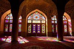 Iran shirk Meczetowy Al okulary oznaczony przez okno zdjęcie stock
