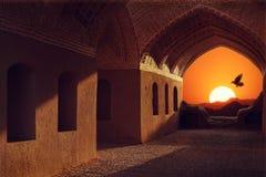 Iran Yazd Góruje cisza Zmierzch i ptak na tle tradycyjna architektura obrazy stock