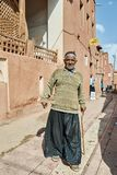 Iranischer älterer Mann im traditionellen Dorf, Abyaneh, der Iran Lizenzfreie Stockbilder