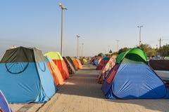 Iranska handelsresande som bor i tält på stranden på Persiska viken Bandar Ganaveh iran Arkivfoto