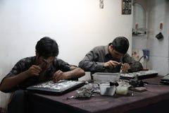 Iranskt metallarbete i Isfahan Royaltyfri Bild