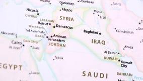 Iraq en un mapa político con Defocus almacen de metraje de vídeo