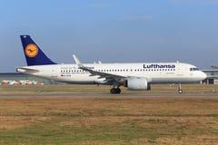 Irbus A320 von Lufthansa Stockfotos