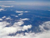 Irgendwo über den Alpen Stockfotografie