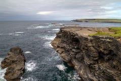 Irische Küstenlinie nahe Kilkee Stockfotografie