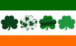 Irische Markierungsfahne mit Shamrocks Lizenzfreie Stockbilder