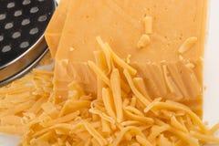 Irischer roter Cheddarkäsegeriebener käse mit verringertem Fett stockfotos
