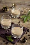 Irischer Sahnekaffeelikör Stockfotos
