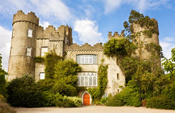 Irisches mittelalterliches Schloss bei Malahide in Dublin Stockbilder