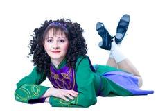 Irisches Tänzerlügen der Frau Lizenzfreies Stockbild