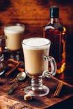 Irish coffee in bicchiere fotografia stock