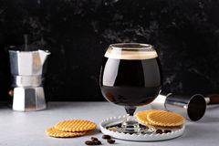 Irish coffee in un vetro immagini stock