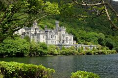 Irish lake kylemore abbey Royalty Free Stock Images