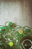 Irish: Party Glasses And Green Beer Holiday Background Royalty Free Stock Photos
